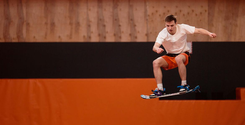 S'exercer au surf, skate et snowboard sur trampoline | Kangui trampoline