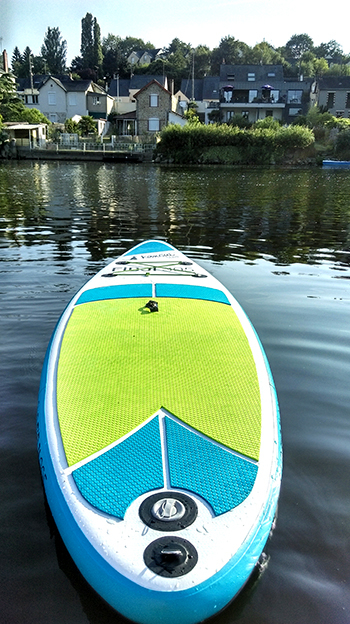 stand up paddle fidji glisse sur la mayenne